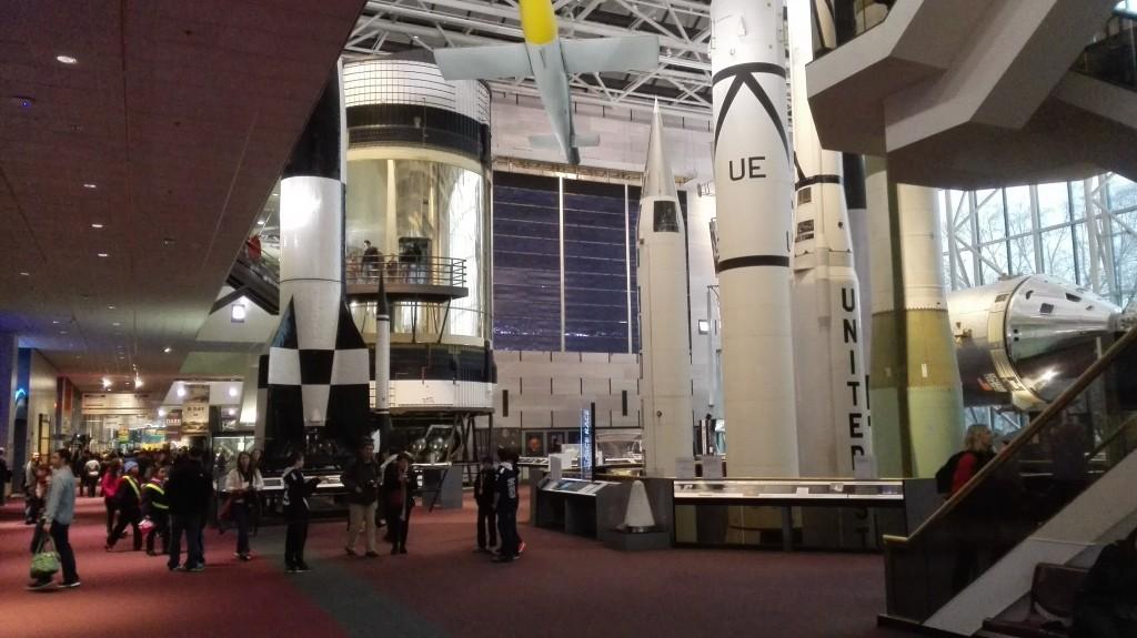 Вперемешку грозное оружие и ракеты-носители космической программы США