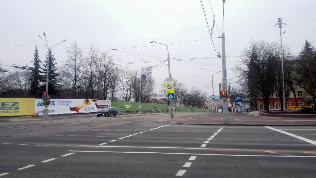 Ульяновская на углу со Свердлова