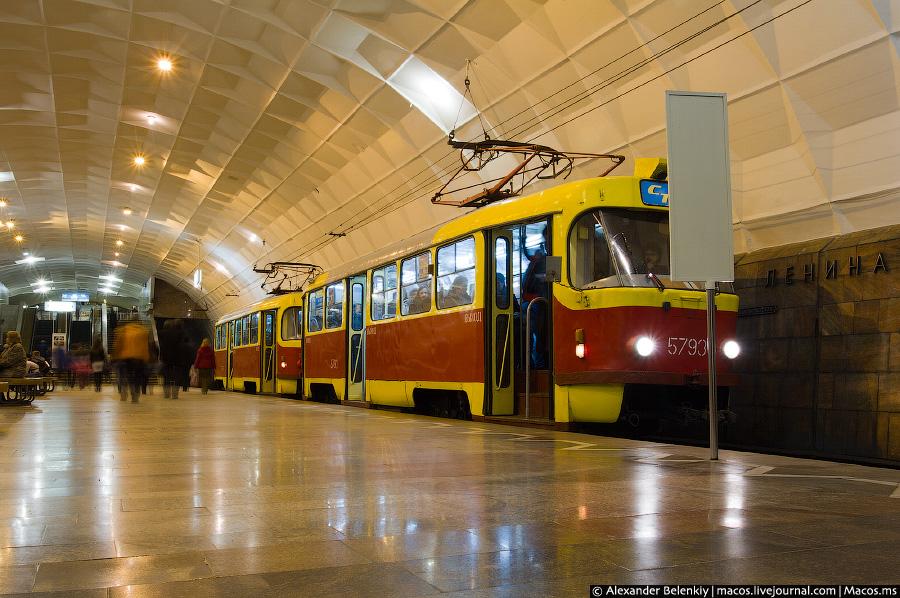 По-советски - это когда даже трамвайная система выглядит как метро. Кривой Рог.