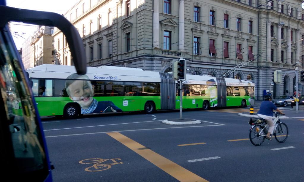 Чудовищной длины троллейбусы в Люцерне