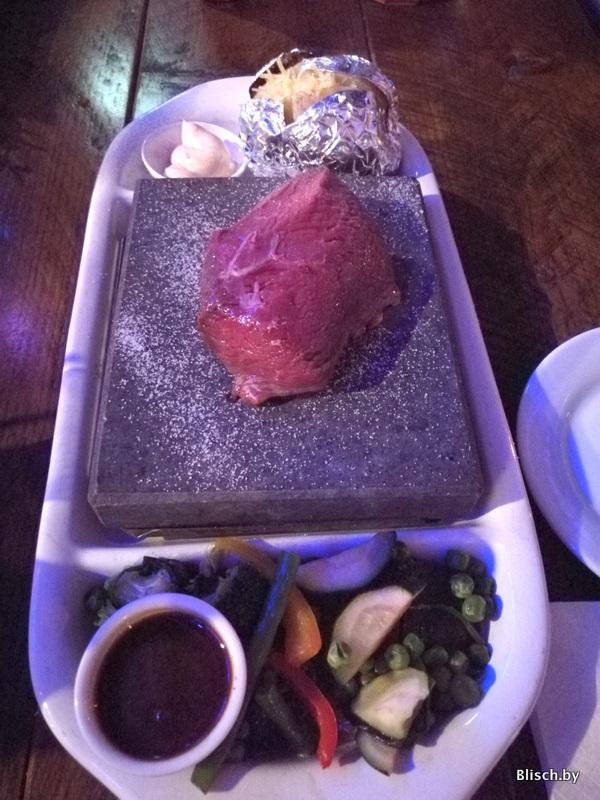 Последний вечер в Зеландии: кусок сырой оленины, который запекаешь сам