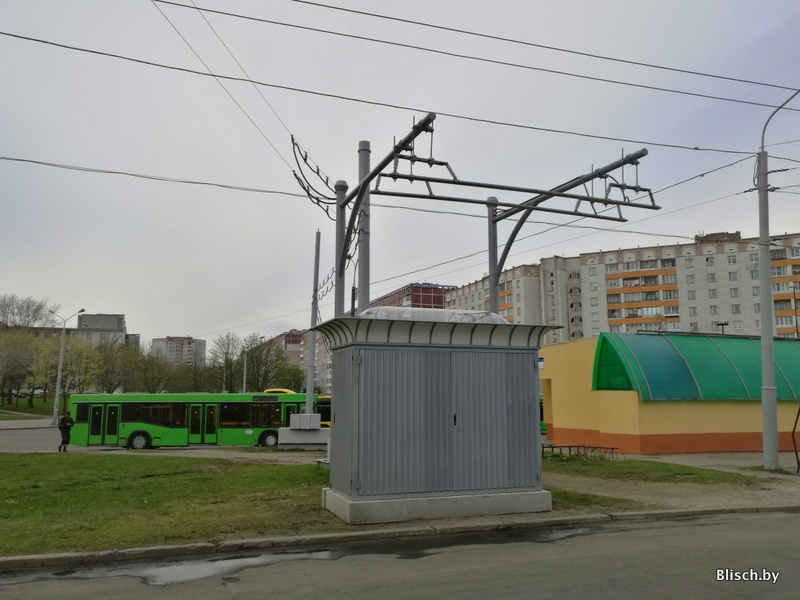 На диспетчерской станции установлено зарядное устройство для электробусов